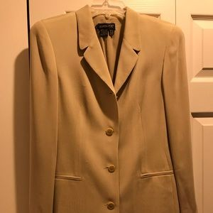 Episode jacket and skirt suit